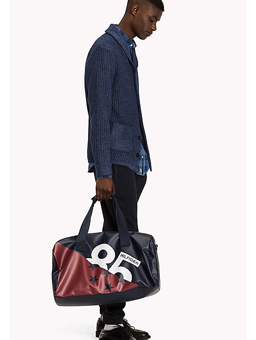TOMMY HILFIGER Duffle-Bag im College-Look - CORPORATE - TOMMY HILFIGER Herren - main image 1
