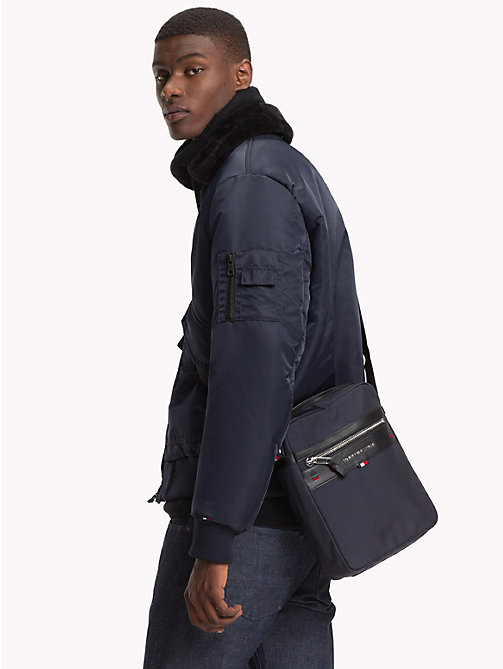 TOMMY HILFIGER Sac reporter Elevated - TOMMY NAVY - TOMMY HILFIGER Besaces - image détaillée 1