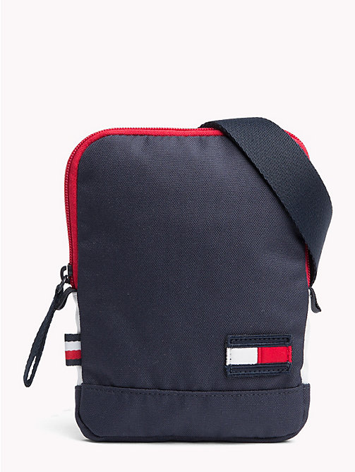 TOMMY HILFIGER Tommy Core crossbodytas - CORPORATE - TOMMY HILFIGER Reportertassen - main image