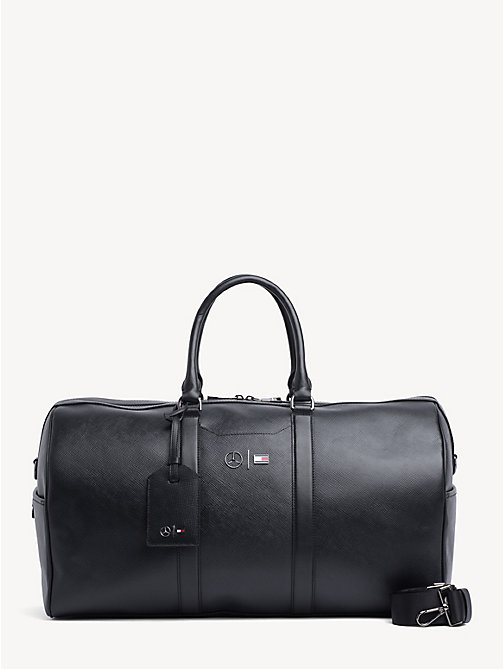 2df29749bb TOMMY HILFIGERMercedes Benz Leather Holdall