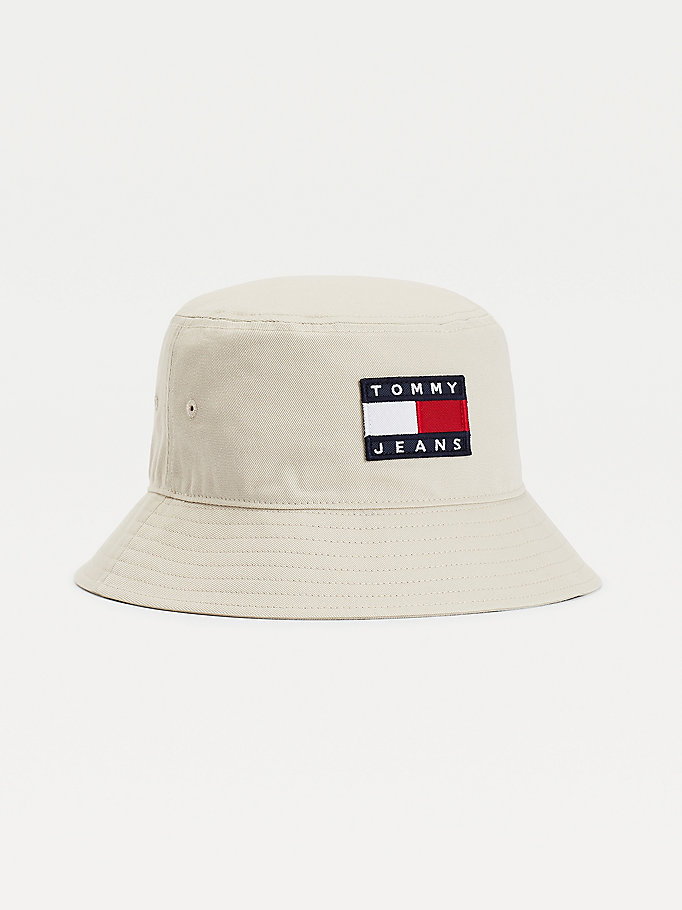 beige tommy badge pure cotton bucket hat for men tommy jeans