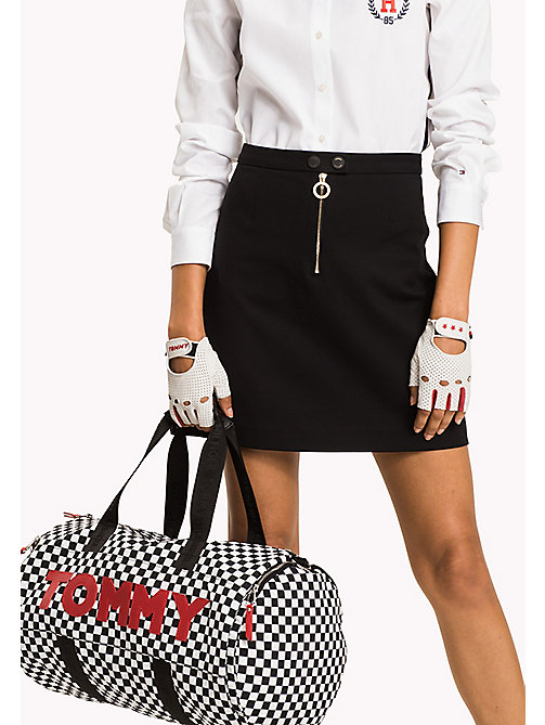 TOMMY HILFIGER Dufflebag mit Schachbrettmuster - CHECKER BOARD - TOMMY HILFIGER NEW IN - main image 1