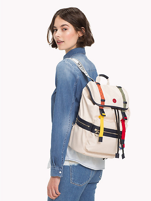 TOMMY HILFIGER Explorer Adjustable Backpack - TAPIOCA - TOMMY HILFIGER VACATION FOR HER - detail image 1