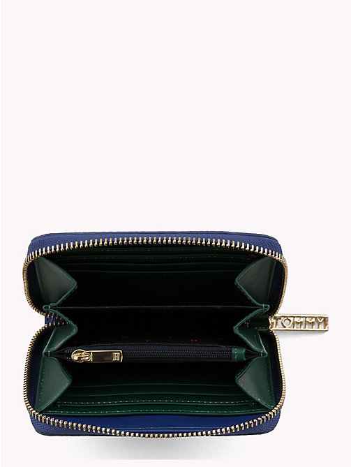 TOMMY HILFIGER Tommy Core Zip Wallet - MEZARINE BLUE/ JUNE BUG - TOMMY HILFIGER Black Friday Women - detail image 1