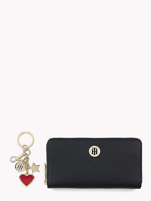 TOMMY HILFIGER Wallet and Key Fob Gift Set - TOMMY NAVY/ BURGUNDY - TOMMY HILFIGER NEW IN - main image