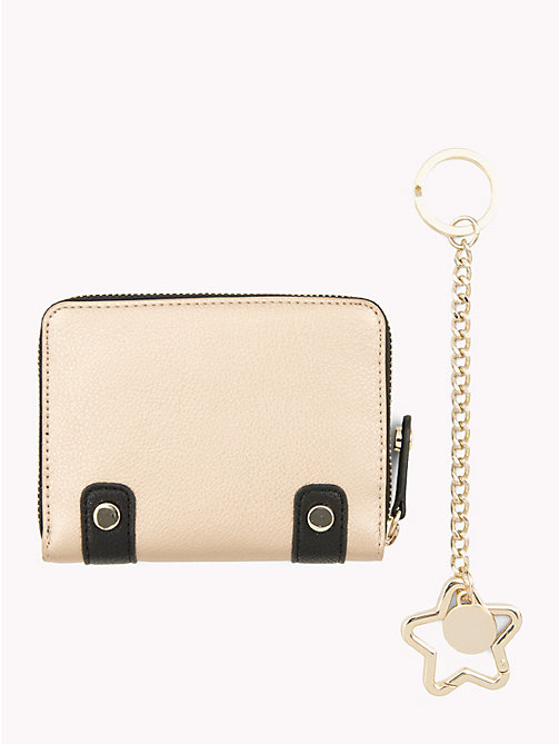 TOMMY HILFIGER Wallet and Key Fob Gift Set - GOLD/ BLACK - TOMMY HILFIGER Stocking Stuffers - detail image 1