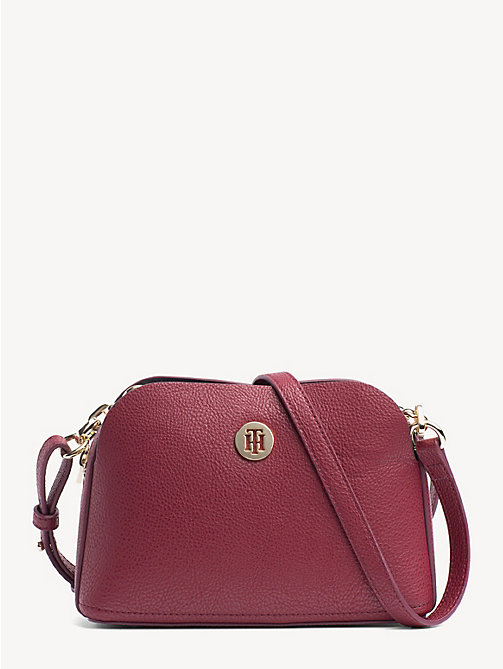 TOMMY HILFIGER TH Core Crossbody-Tasche - CABERNET - TOMMY HILFIGER Party-Looks - main image