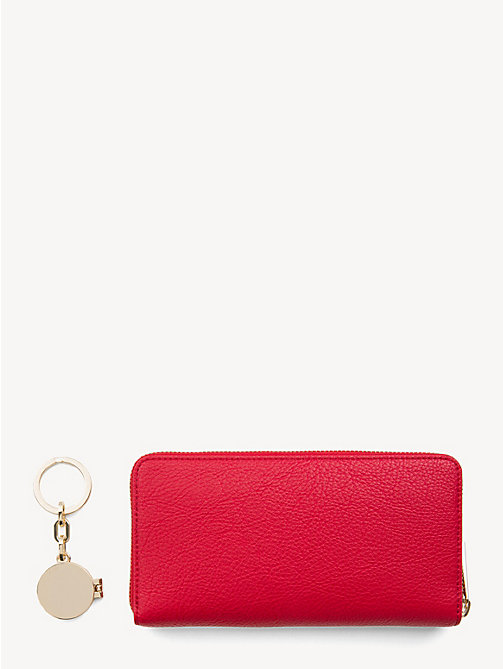 TOMMY HILFIGER TH Core Wallet and Key Fob Set - TOMMY RED - TOMMY HILFIGER Stocking Stuffers - detail image 1