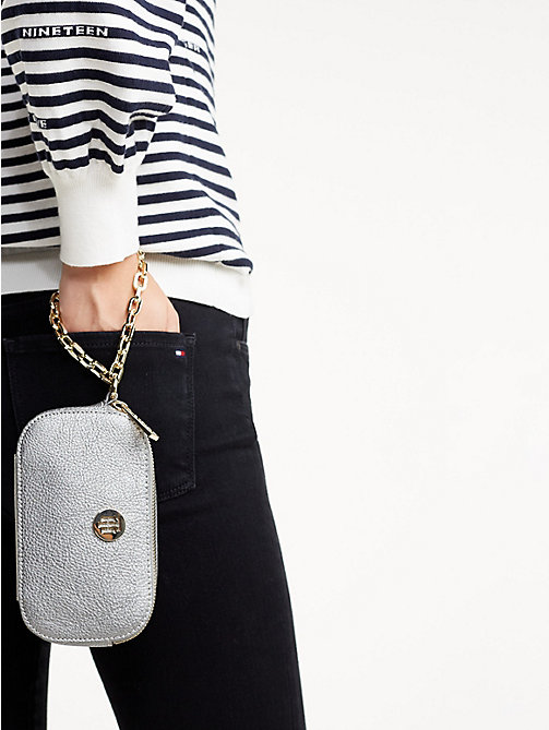 TOMMY HILFIGER TH Core Handgelenktasche - PEWTER - TOMMY HILFIGER Clutches - main image 1