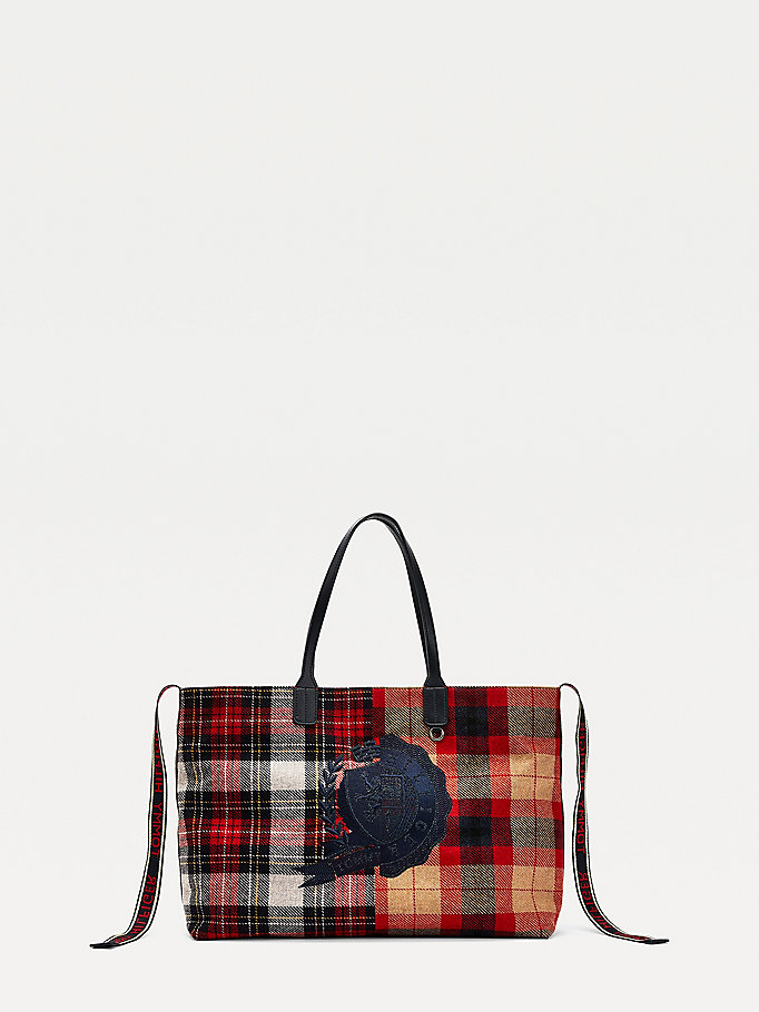 black iconic crest cashmere tote bag for women tommy hilfiger