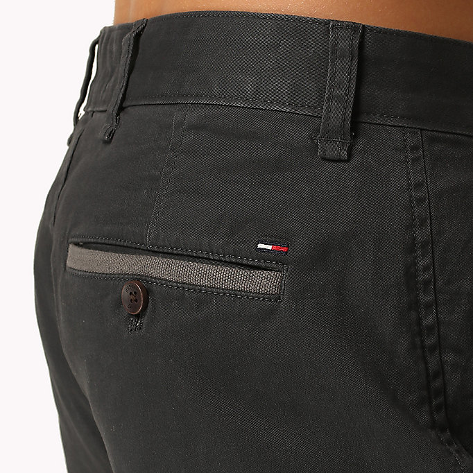 TOMMY JEANS Twill Fitted Straight Shorts - MOONSTRUCK - TOMMY JEANS Men - detail image 3