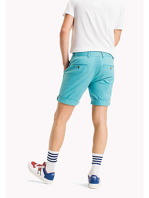 TOMMY JEANS Shorts straight fit aderenti in twill - MAUI BLUE - TOMMY JEANS Pantaloni - dettaglio immagine 1