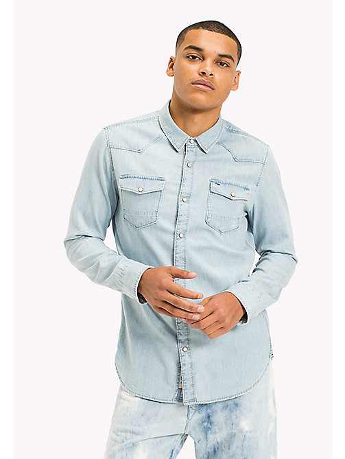 TOMMY JEANS Denim Regular Fit Shirt - LIGHT INDIGO - TOMMY JEANS HOMBRES - imagen principal