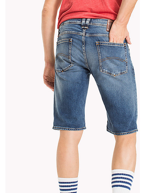 TOMMY JEANS Ronnie Regular Fit Shorts aus Denim - RIVER MID BLUE COMFORT - TOMMY JEANS Hosen & Shorts - main image 1
