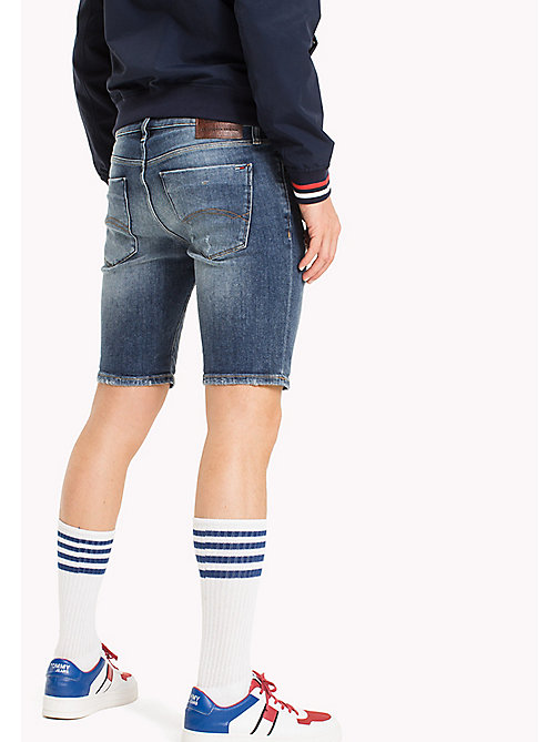 TOMMY JEANS Shorts slim fit destrutturati in denim - ILLINOIS MID BLUE STRETCH DESTRUCTED - TOMMY JEANS Pantaloni - dettaglio immagine 1