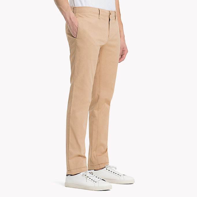 TOMMY JEANS Slim Fit Chinos aus Baumwoll-Twill - BLACK IRIS - TOMMY JEANS Kleidung - main image 2