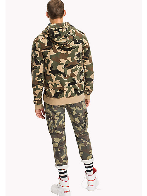 TOMMY JEANS Frottee-Kapuzenjacke - CAMO PRINT - TOMMY JEANS HERREN - main image 1