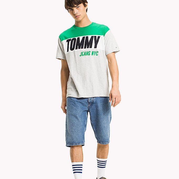 TOMMY JEANS Regular Fit Logo T-Shirt - CLASSIC WHITE - TOMMY JEANS Clothing - main image