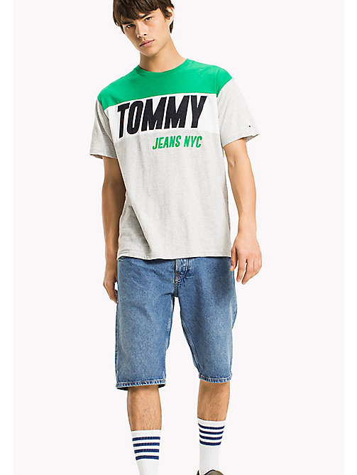 TOMMY JEANS Regular Fit T-Shirt mit Logo - LT GREY HTR - TOMMY JEANS Kleidung - main image