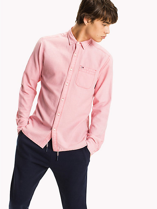 TOMMY JEANS Regular Fit Dobby Shirt - RACING RED - TOMMY JEANS HOMBRES - imagen principal