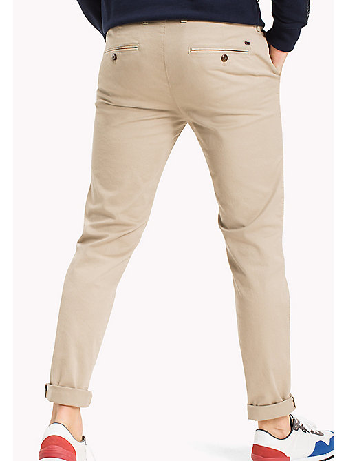 TOMMY JEANS Fitted Straight Leg Chinos - PLAZA TAUPE - TOMMY JEANS MEN - detail image 1