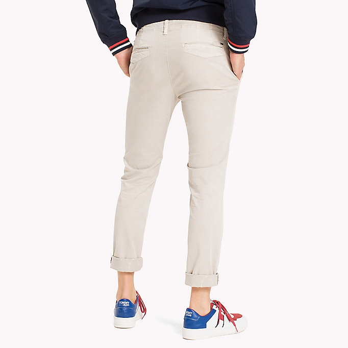 TOMMY JEANS Slim Fit Chinos aus Twill - BLACK IRIS - TOMMY JEANS Kleidung - main image 1