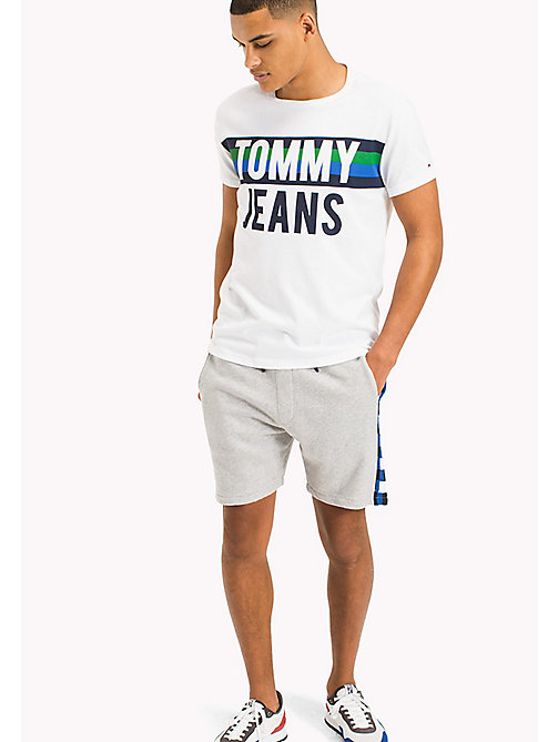 TOMMY JEANS Regular Fit T-Shirt mit Logo - CLASSIC WHITE - TOMMY JEANS Urlaubs-Styles - main image