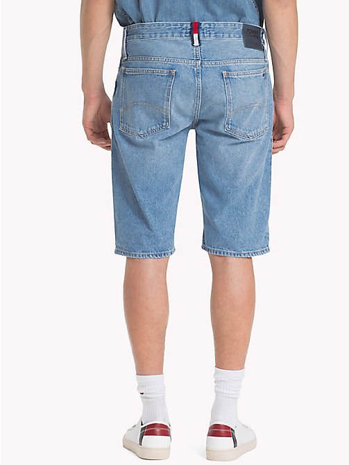 TOMMY JEANS Regular Fit Shorts aus Denim - TOMMY JEANS LIGHT BLUE RIGID - TOMMY JEANS Festival-Saison - main image 1