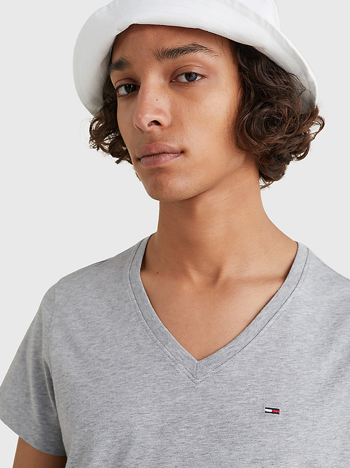 TOMMY JEANS V-Neck T-Shirt - CLASSIC WHITE - TOMMY JEANS Men - detail image 2