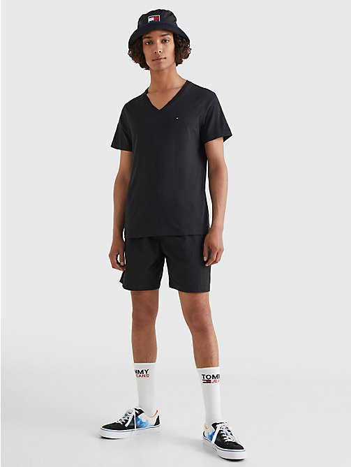 TOMMY JEANS T-Shirt mit V-Ausschnitt - TOMMY BLACK - TOMMY JEANS T-Shirts & Poloshirts - main image 1