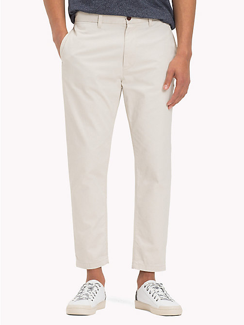TOMMY JEANS Pure Cotton Cropped Chinos - PUMICE STONE - TOMMY JEANS Trousers & Shorts - main image