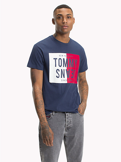 TOMMY JEANS T-shirt regular fit con logo - BLACK IRIS - TOMMY JEANS T-Shirts & Polos - immagine principale