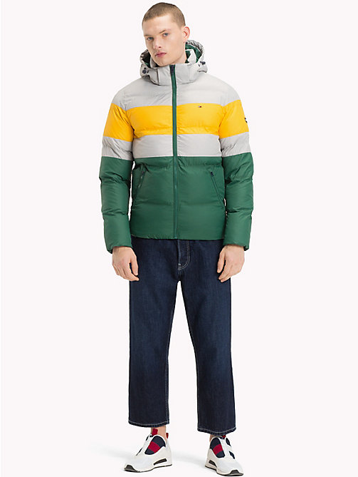 TOMMY JEANS Puffer-Jacke mit Rugby-Streifen - DRIZZLE / MULTI - TOMMY JEANS Sustainable Evolution - main image 1