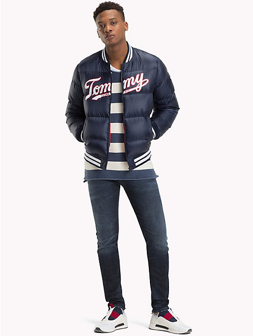 TOMMY JEANS Bomberjacke mit Tommy Jeans-Logo - BLACK IRIS - TOMMY JEANS Sustainable Evolution - main image 1