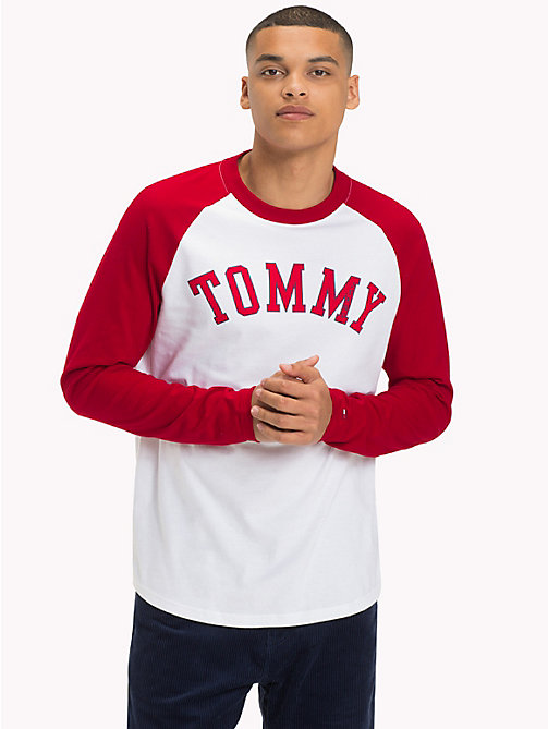 TOMMY JEANS Baseball-T-Shirt mit Raglanärmeln - SAMBA / CLASSIC WHITE - TOMMY JEANS Sustainable Evolution - main image