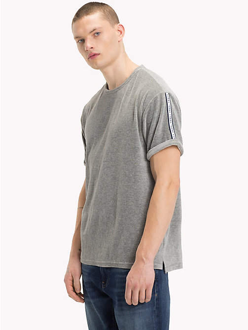TOMMY JEANS Velours-T-Shirt - LT GREY HTR - TOMMY JEANS T-Shirts & Poloshirts - main image