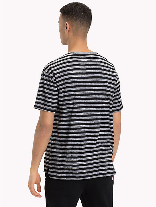 TOMMY JEANS Gestreiftes Relaxed Fit T-Shirt - TOMMY BLACK - TOMMY JEANS T-Shirts & Poloshirts - main image 1