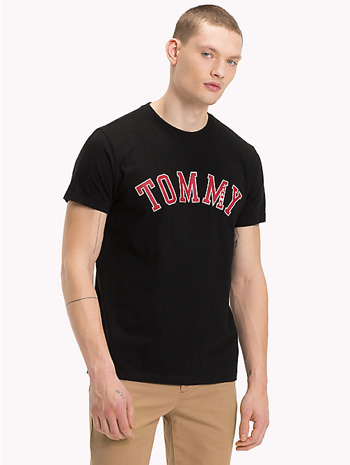 TOMMY JEANS T-shirt à logo en coton bio - TOMMY BLACK - TOMMY JEANS Sustainable Evolution - image principale
