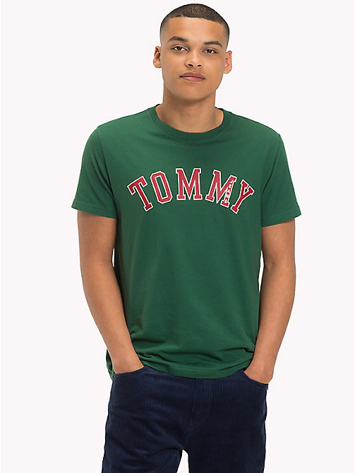 TOMMY JEANS Camiseta de algodón orgánico con logo - HUNTER GREEN - TOMMY JEANS Sustainable Evolution - imagen principal