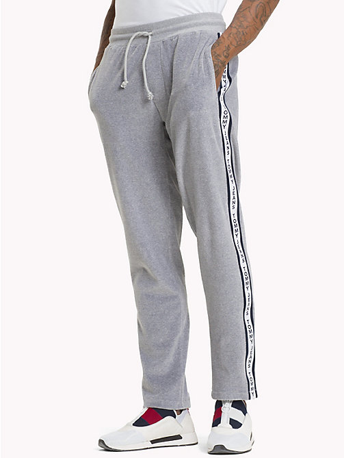 TOMMY JEANS Velours sweatpants - LT GREY HTR - TOMMY JEANS Trainingspak - main image
