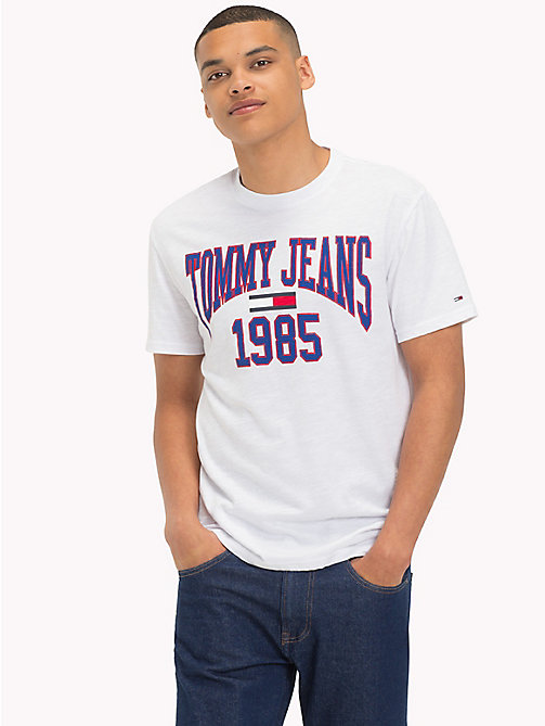 TOMMY JEANS T-Shirt mit College-Logo - CLASSIC WHITE - TOMMY JEANS T-Shirts & Poloshirts - main image