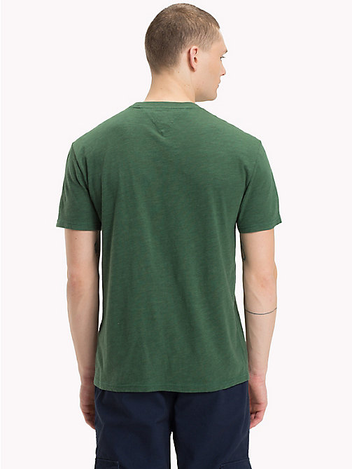 TOMMY JEANS T-Shirt mit College-Logo - HUNTER GREEN - TOMMY JEANS T-Shirts & Poloshirts - main image 1