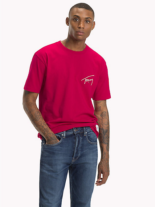 TOMMY JEANS Tommy-T-Shirt mit Rundhalsausschnitt - CERISE - TOMMY JEANS Signature Collection - main image