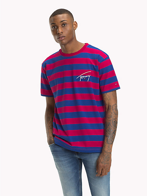 TOMMY JEANS Gestreiftes T-Shirt mit Branding - CERISE / SURF THE WEB - TOMMY JEANS Signature Collection - main image