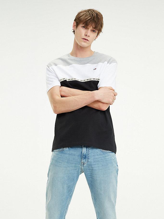 T shirt en coton bio à écusson drapeau   Tommy Hilfiger