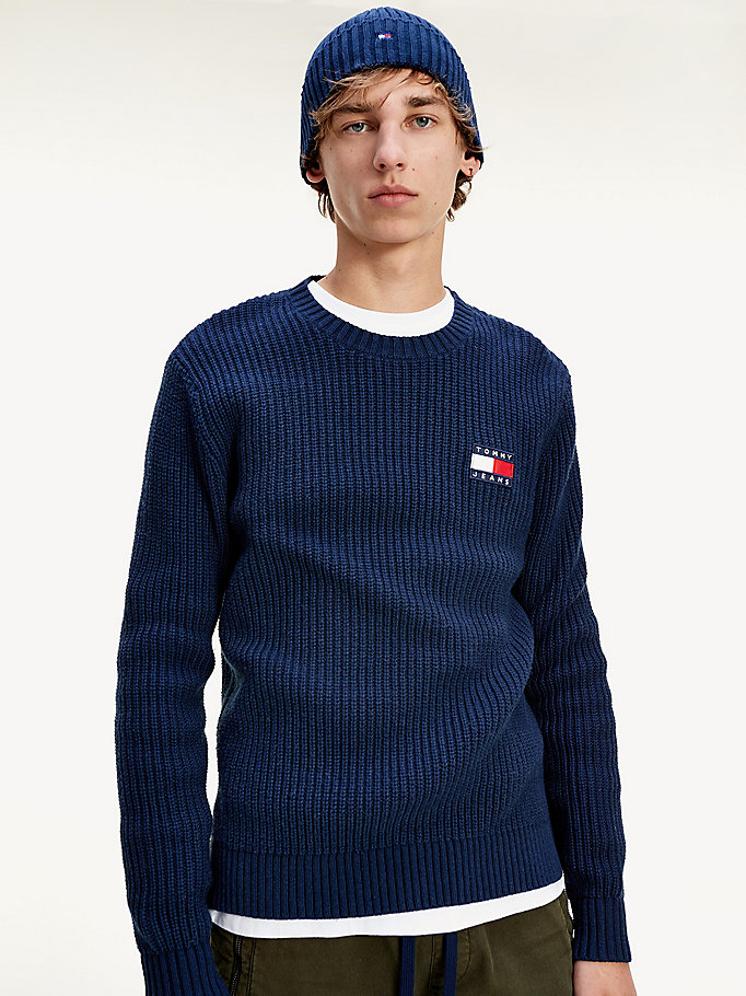 blue tommy badge rib-knit jumper for men tommy jeans