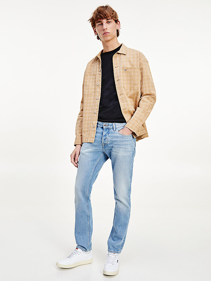 denim scanton slim jeans mit fade-effekt für men - tommy jeans