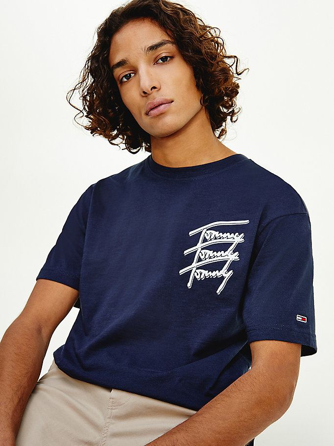 blue repeat script logo organic cotton t-shirt for men tommy jeans