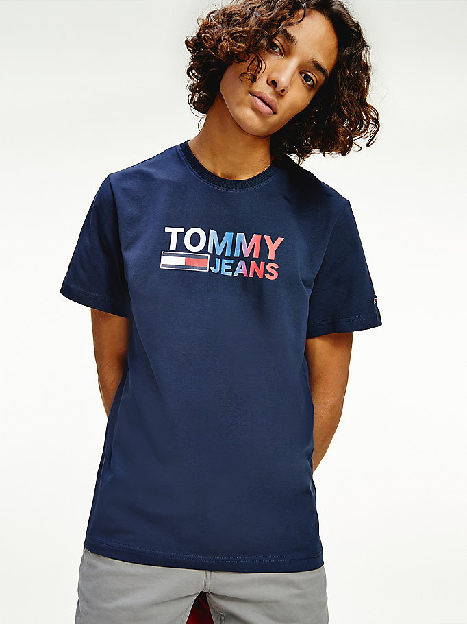 blue ombre logo stretch organic jersey t-shirt for men tommy jeans