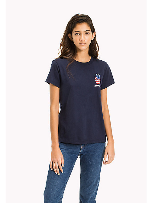 TOMMY JEANS Cotton Badge T-Shirt - BLACK IRIS - TOMMY JEANS MUJERES - imagen principal